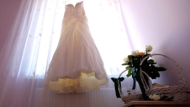 Tips to Purchase the Right Lace Wedding Dress